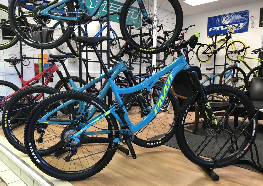 NEW IN STOCK!!) 2019 PIVOT SWITCHBLADE ALUMINUM 27 5+ or